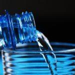 59 марок  - фальшивка: Роскачество проверило бутилированную  воду