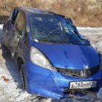 «Спасибо, что живые»: легковушка свалилась с горы во Владивостоке