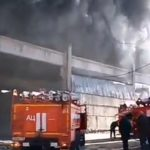 «Масштаб впечатляет»: появилось видео с места пожара на Снеговой
