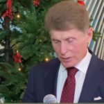 «Мне досталось два»: новогодние  желания счастливчиков исполнит губернатор Кожемяко
