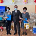 Поздравления,  цветы, подарки: депутат Джони Авдои обратился к педагогам