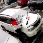 «Год пролетел, как бетонная плита на мою машину»:«счастливчик» Саня записал видеообращение