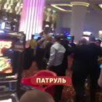 «Такое еще ни разу не видели»: «знатный замес» в казино попал на видео