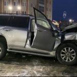 Джип «ушел» от погони в торговый центр: погибли трое - видео