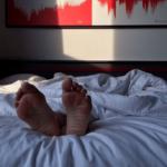 В постели с трупом. Убийца уснул со своей жертвой