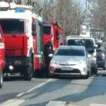 «Скорая дежурит, лишь бы людей там не было»: мощный пожар полыхает во Владивостоке