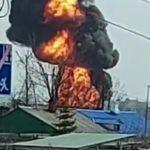 «Что-то взрывается»: мощный пожар бушует за кладбищем