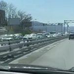 «Лучше ищите объезд»: мощная пробка сковала район