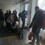 «Охрана вовремя вмешалась»: разъяренные женщины бьются за место на катере