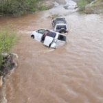 """""""Им зимы мало"""": автомобили ушли под воду"""