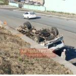 Водитель забыл: грузовик рухнул на проезжую часть во Владивостоке
