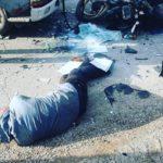 «Нормально его по асфальту размазало»: мотоциклист на полном ходу врезался в грузовик