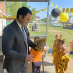 За бережное отношение и уважение: Джони Авдои наградил детские сады