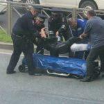 «Лежит весь в крови»: мотоциклист «разложился» во Владивостоке - собирается мощная пробка