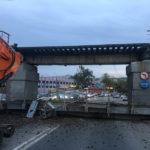 Сразу 6 статей: обрушение моста во Владивостоке получило продолжение для водителя