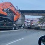 На месте мэр, полиция, скорая: мост рухнул во Владивостоке в час пик